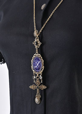 1703_night_memory_necklace_2.jpg