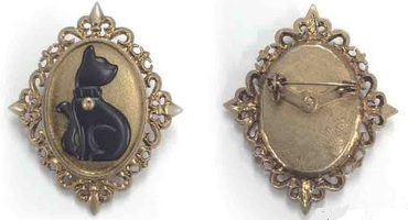 neincafe-brooch.jpg